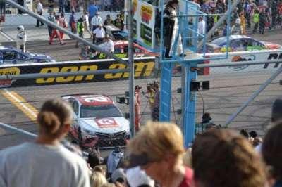 ISM Raceway, secção: AA, fila: 18, lugar: 8