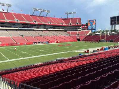 Raymond James Stadium secção 106