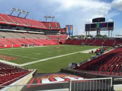 Raymond James Stadium secção 102