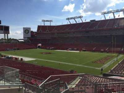 Raymond James Stadium secção 242
