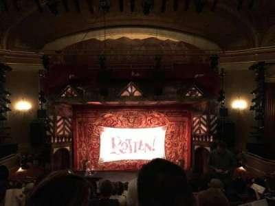 St. James Theatre, secção: Mezzanin, fila: M, lugar: 107
