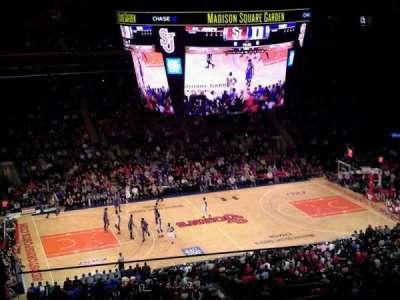 Madison Square Garden, secção: 209, fila: 14, lugar: 22