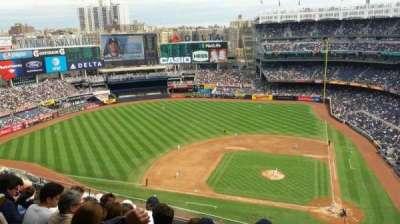 Yankee Stadium, secção: 423, fila: 6, lugar: 1