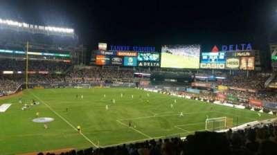 Yankee Stadium, secção: 216, fila: 16, lugar: 20