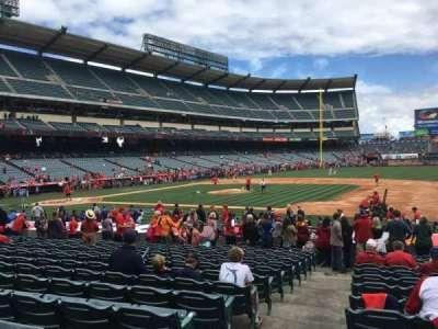 Angel Stadium, secção: F126, fila: S, lugar: 1