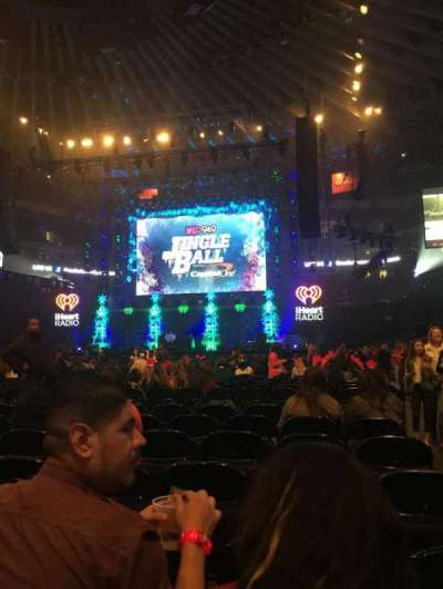 Oracle Arena, secção: D, fila: 7, lugar: 1