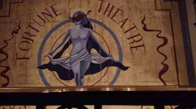 Fortune Theatre, secção: Upper Circle, fila: A, lugar: 10