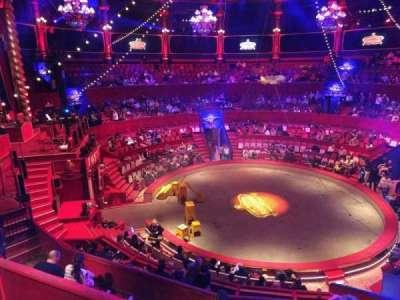 Cirque d'hiver, secção: C, fila: C, lugar: 107