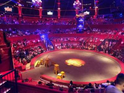 Cirque d'hiver, secção: C, fila: D, lugar: 125