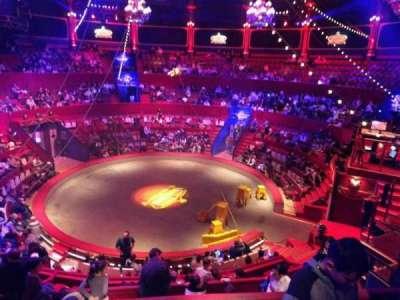 Cirque d'hiver, secção: J, fila: C, lugar: 122