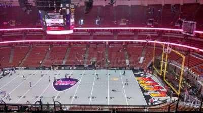 Honda Center, secção: 432, fila: M, lugar: 8