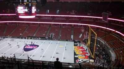 Honda Center, secção: 431, fila: M, lugar: 8