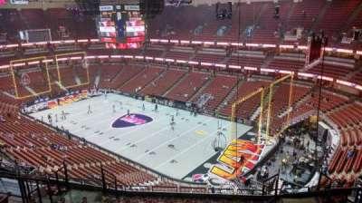 Honda Center, secção: 428, fila: M, lugar: 8