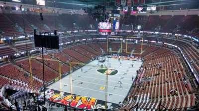 Honda Center, secção: 421, fila: M, lugar: 8