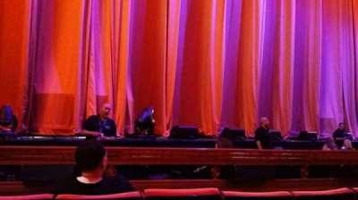 Radio City Music Hall, secção: Orchestra 5, fila: DD, lugar: 513