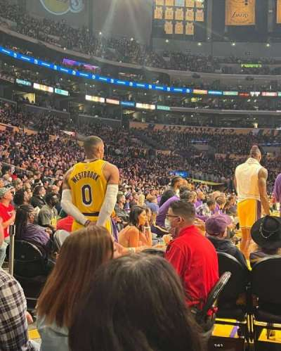 Staples Center, secção: 117, fila: C, lugar: 1