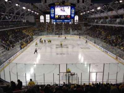 Yost Ice Arena, secção: 26, fila: 17, lugar: 15
