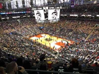 Scotiabank Arena, secção: 306, fila: 10, lugar: 8