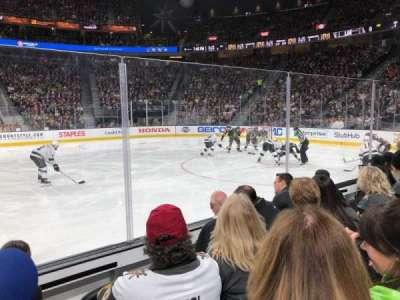 T-Mobile Arena, secção: 16, fila: DD, lugar: 17