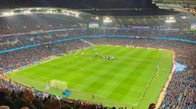 Etihad Stadium (Manchester), secção: 313, fila: Y, lugar: 322