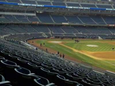 Yankee Stadium secção 211