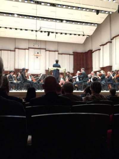 Orchestra Hall, secção: MF, fila: H, lugar: 8