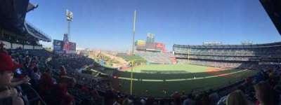 Angel Stadium, secção: C306, fila: G, lugar: 11