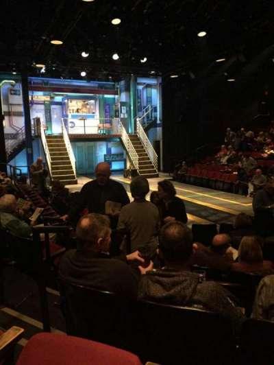 Circle in the Square Theatre, secção: Orch, fila: E, lugar: 121