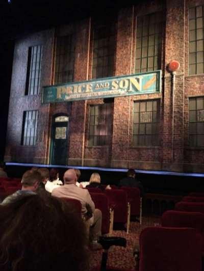 Al Hirschfeld Theatre, secção: Orch, fila: H, lugar: 4