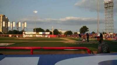 Lawrence-Dumont Stadium, secção: 106, fila: CC, lugar: 7