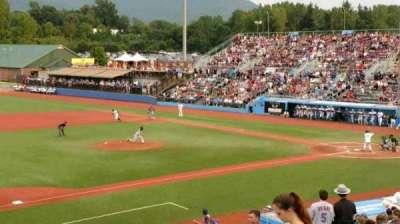 Dutchess Stadium secção 3rd Base line GA
