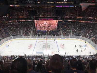 T-Mobile Arena, secção: 205, fila: M, lugar: 10