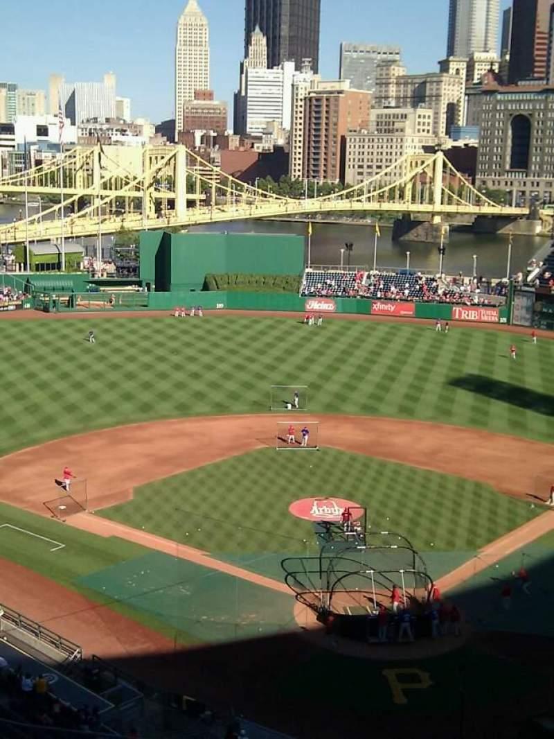 Vista sentada para PNC Park Secção 318 Fila h Lugar 14