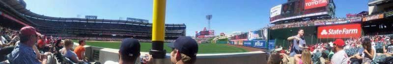 Vista sentada para Angel Stadium Secção 133 Fila B Lugar 7