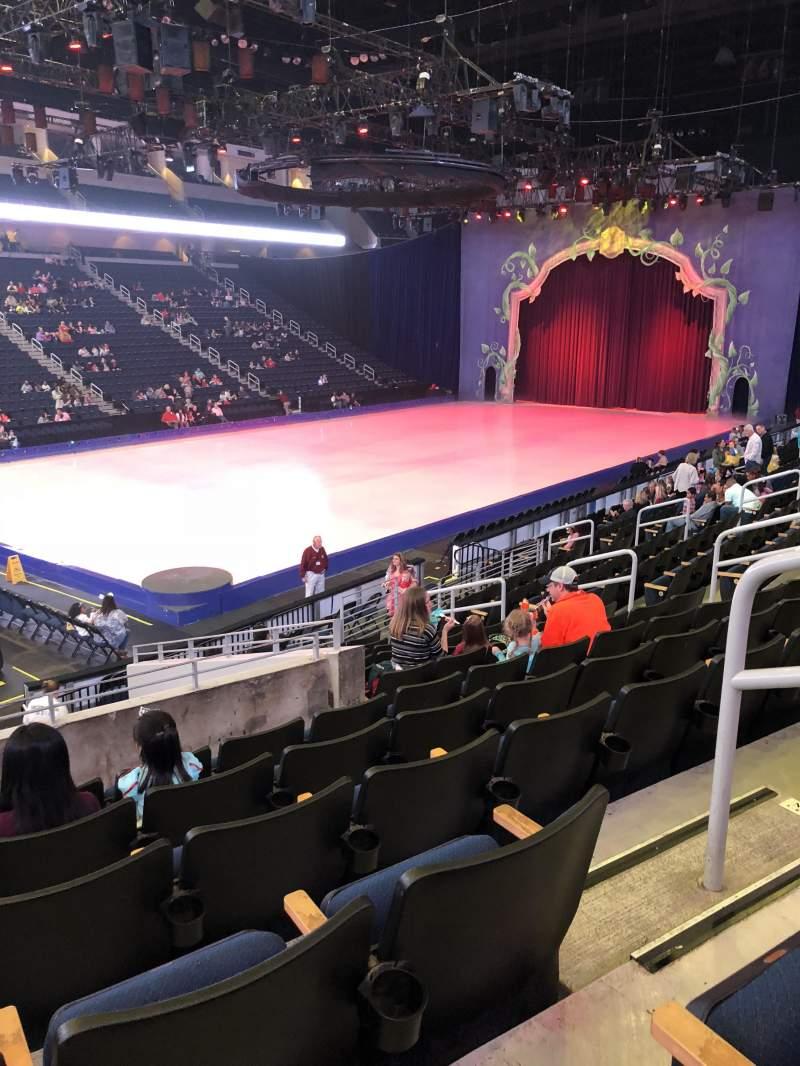Vista sentada para Infinite Energy Arena Secção 102 Fila Q Lugar 14