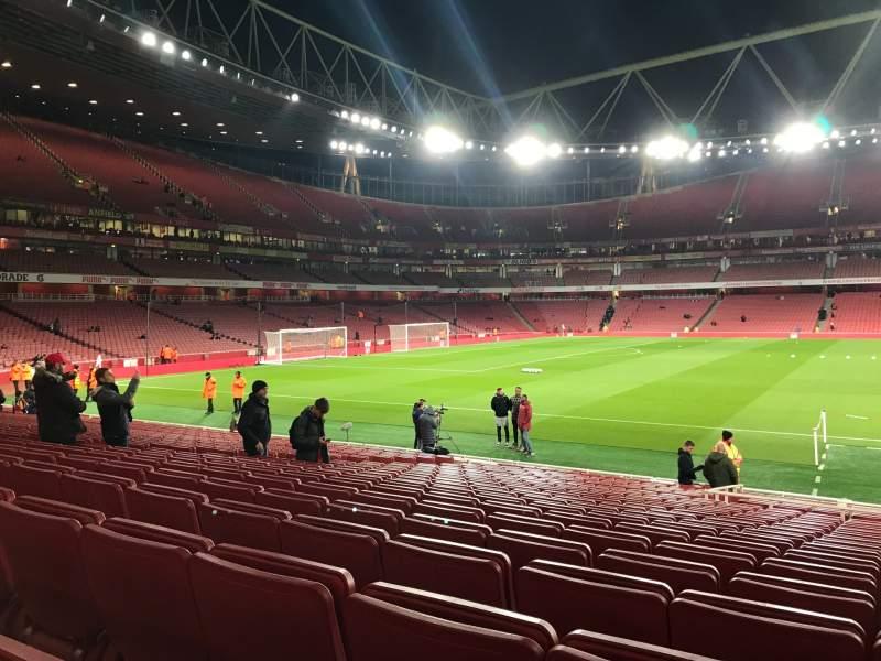 Vista sentada para Emirates Stadium Secção 1 Fila 19 Lugar 29