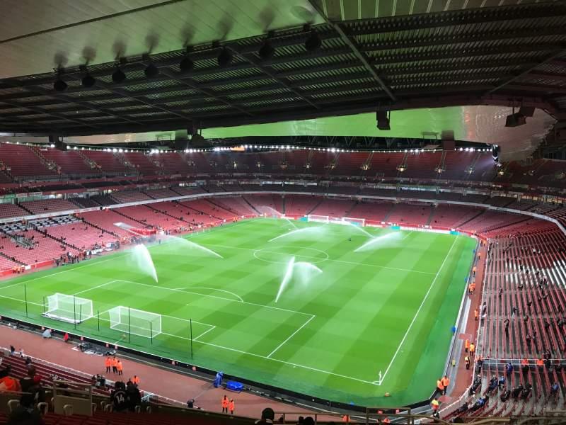 Vista sentada para Emirates Stadium Secção 120 Fila 20 Lugar 822