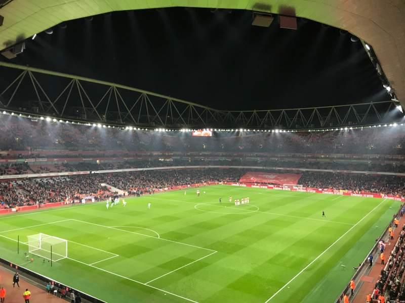 Vista sentada para Emirates Stadium Secção 119 Fila 2 Lugar 793