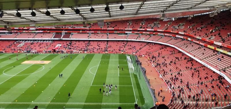 Vista sentada para Emirates Stadium Secção 110 Fila 25 Lugar 518