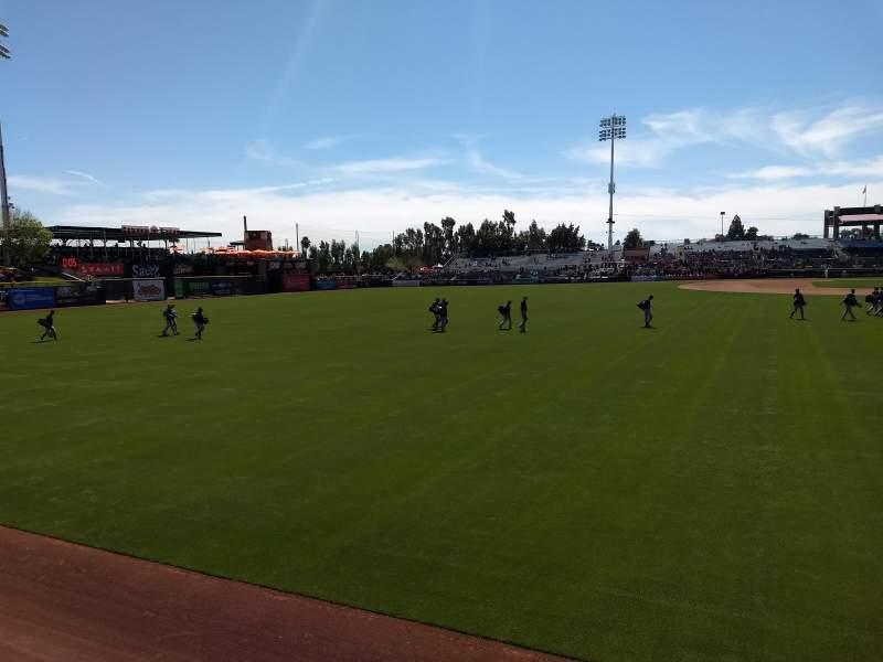 Vista sentada para Scottsdale Stadium Secção Lawn