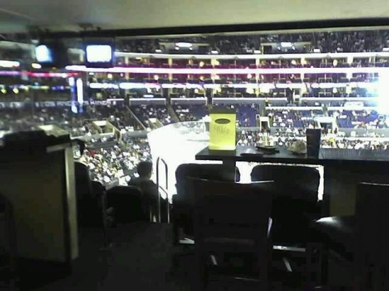 Vista sentada para Staples Center Secção Suite A15