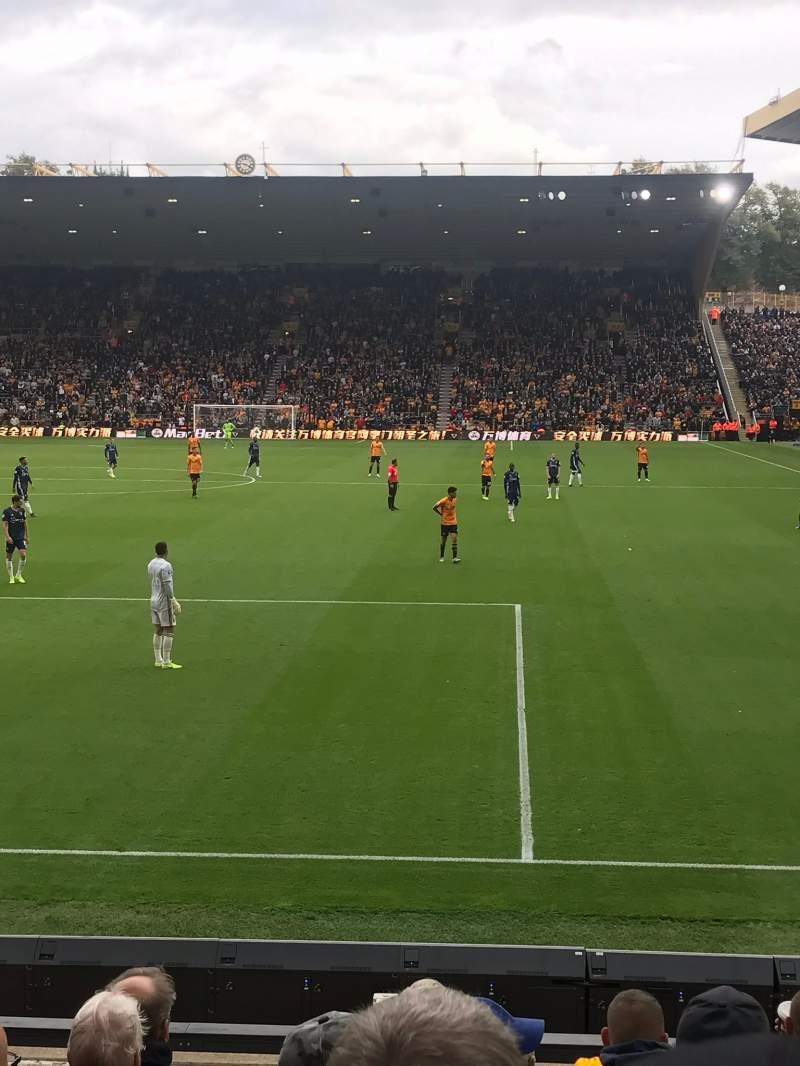 Vista sentada para Molineux Stadium Secção NL2 Fila L Lugar 35
