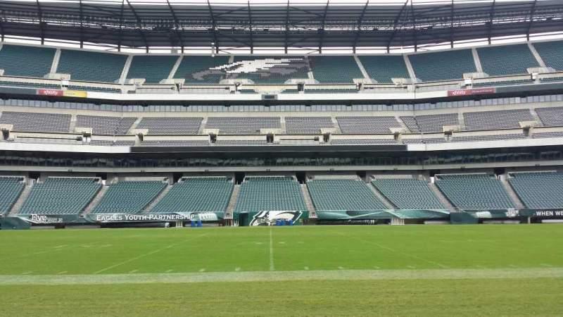 Vista sentada para Lincoln Financial Field Secção Sideline Fila 50 yard li Lugar Player Bench