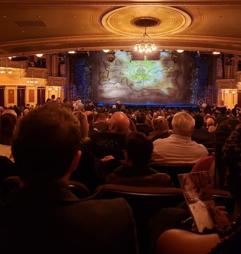 Vista sentada para Hippodrome Theatre Secção Center Orchestra Fila CC Lugar 108-109