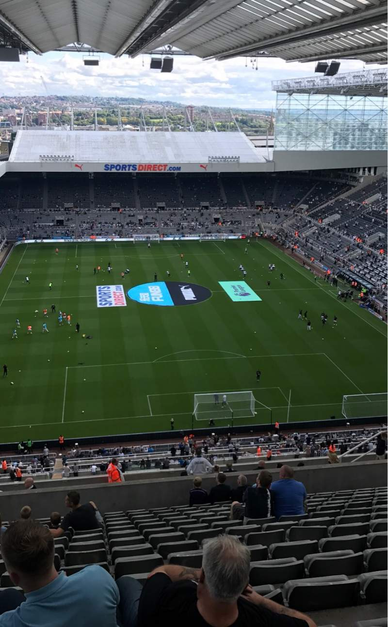 Vista sentada para St James' Park Secção Leeses Stand Level 7 Fila V Lugar 546