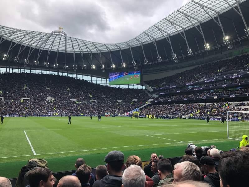 Vista sentada para Tottenham Hotspur Stadium Secção 114 Fila 6 Lugar 413