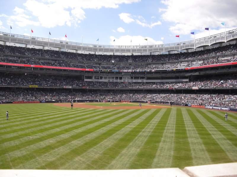 Vista sentada para Yankee Stadium Secção 238 Fila 1 Lugar 23