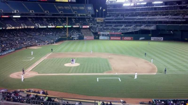 Vista sentada para Oakland Coliseum Secção 212 Fila 12 Lugar 14