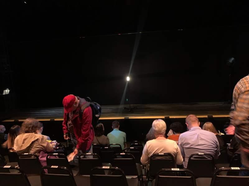 Vista sentada para Daryl Roth Theatre Secção Orchestra C Fila G Lugar 105