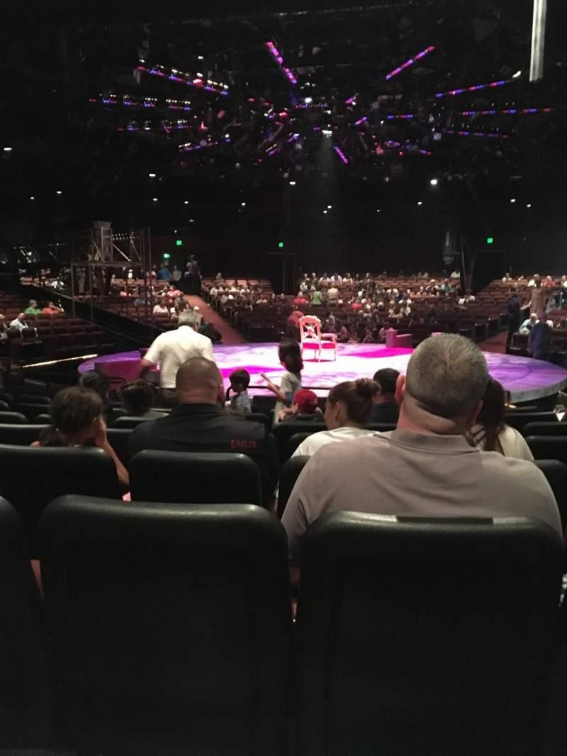 Vista sentada para North Shore Music Theatre Secção B Fila J Lugar 12